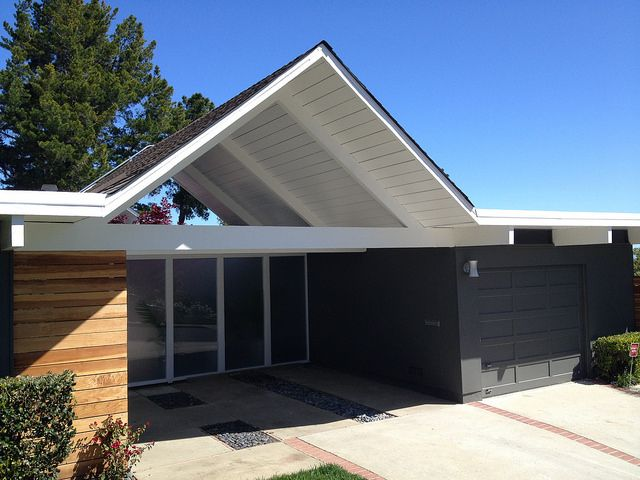 Colour scheme for front of the house wood siding dark gray stucco and white gate 1964 double - What paint to use on exterior wood model ...