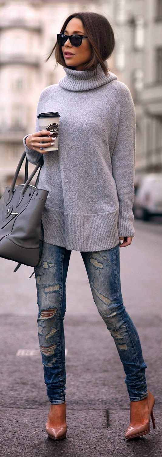 PONCHO SWEATER - cozy poncho sweater in grey, destroyed skinny jeans, christian louboutin pumps / Johanna Olsson