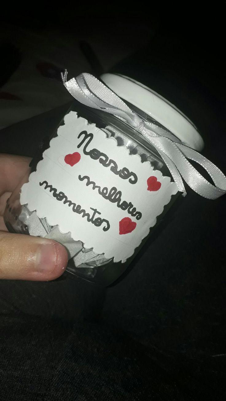 Um potinho com os melhores momentos vividos com alguém que você ama! Ótimo para dar de presente ao namorado (a), melhor amiga, um parente querido, etc!