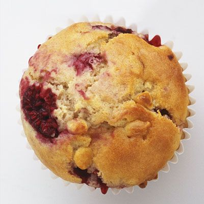 Raspberry Corn Muffins At just 157 calories each, these muffins also ...