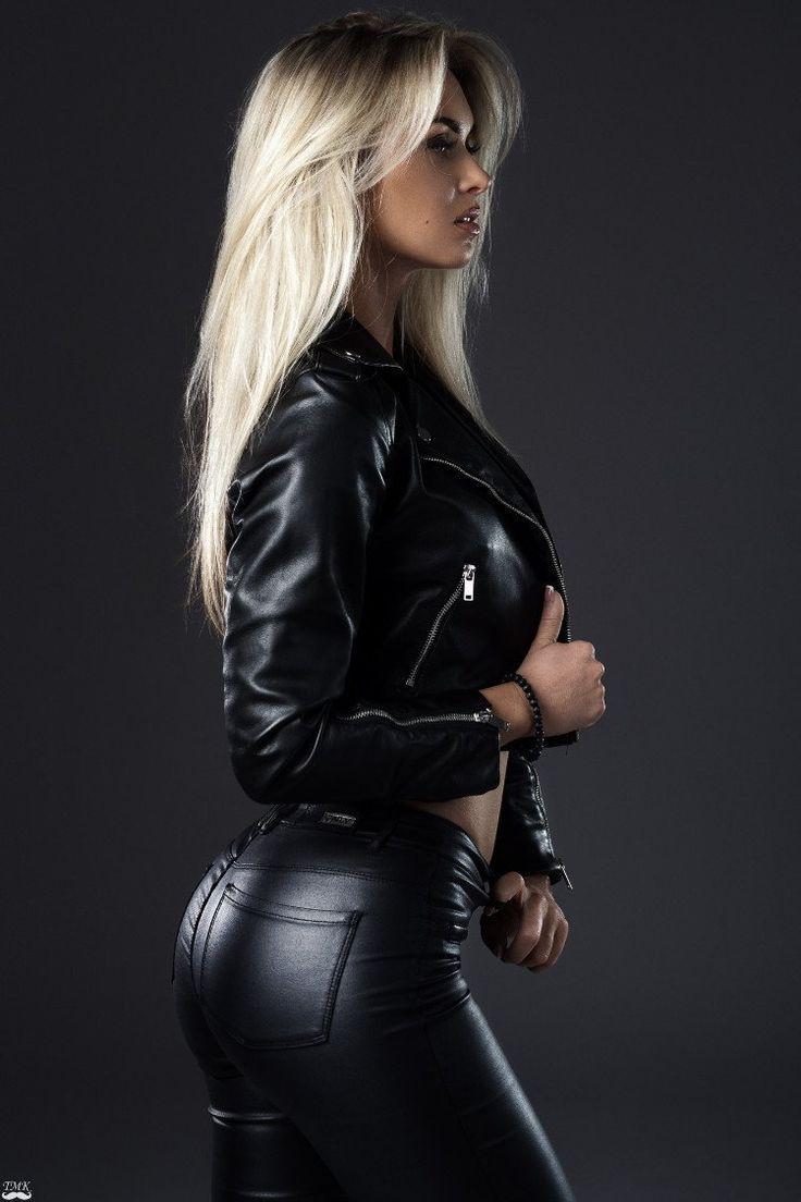 hot-girl-in-leather-top-ten-sexiest-pornstars