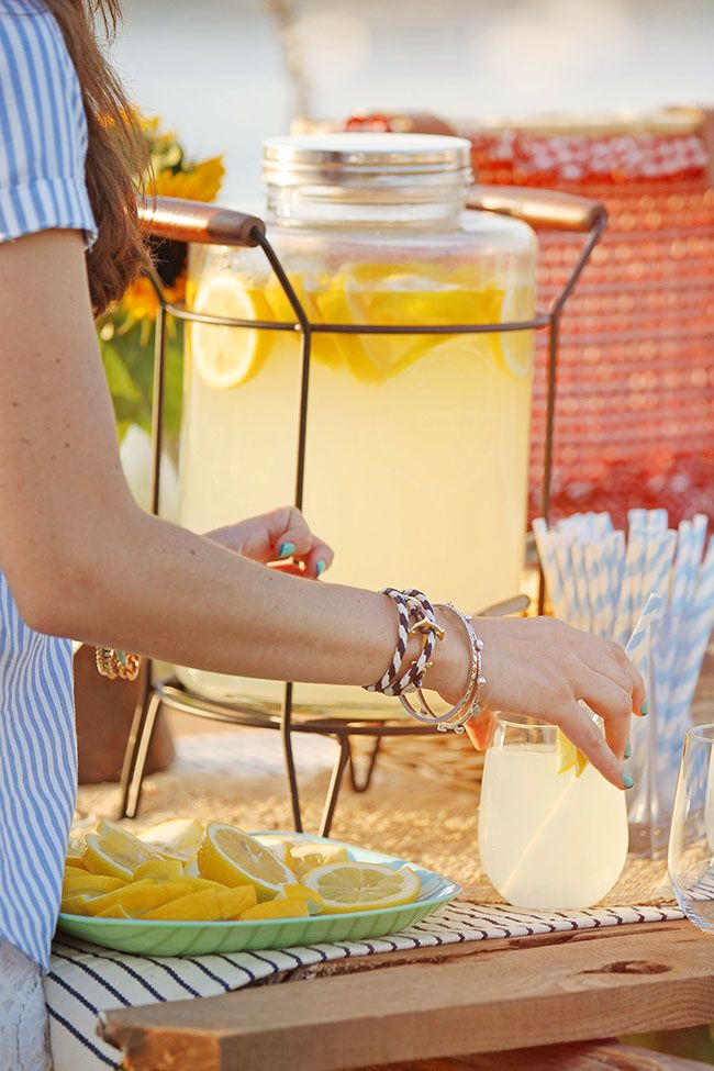 The perfect #lemonade stand. | Taste of Summer | Pinterest