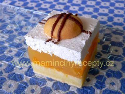 Mandarinkové řezy se šlehačkou