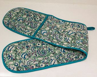 Present... | Oven gloves | Heat resistant oven gloves | Quilted oven gloves