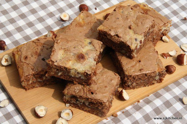 Hazelnoot roomkaas brownies van Sjkitchen.nl,  dit recept ga ik zeker een keer proberen. Lijkt me super lekker!