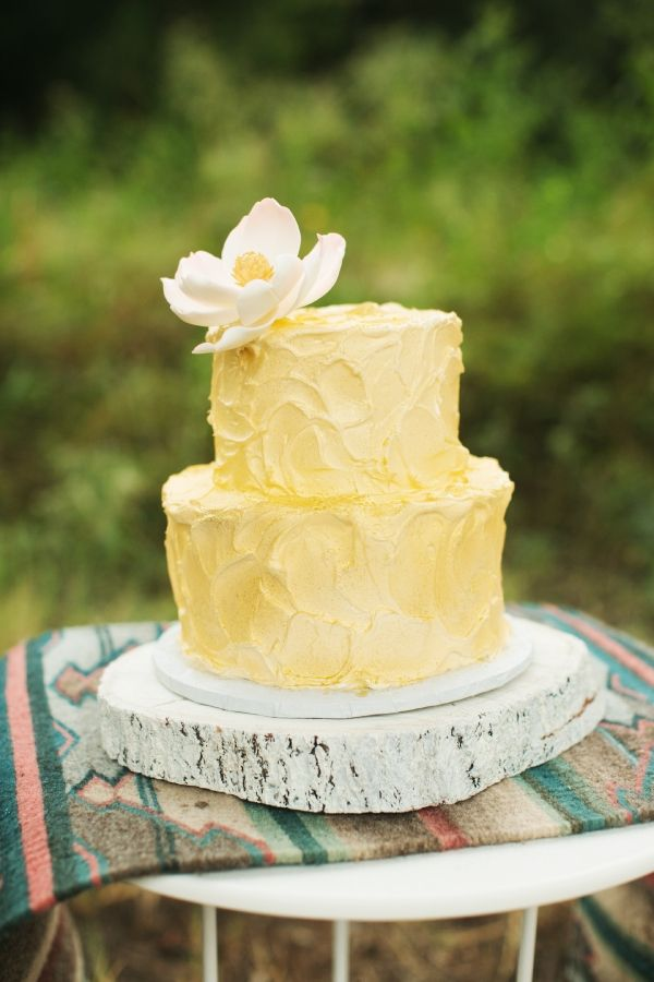 fluffy yellow cake // photo by ee-photography.com // cake by MichellesPatisserie.com