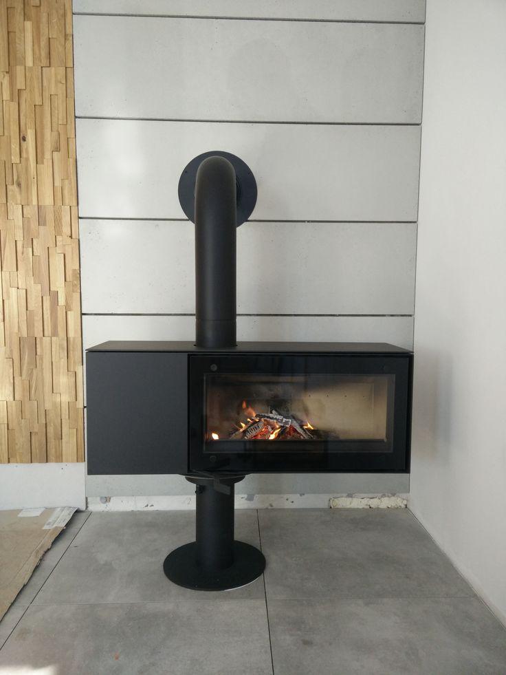 Możliwość obrotu kominka Turn o 360 stopni pozwala na podziwianie ognia z każdego miejsca domu.