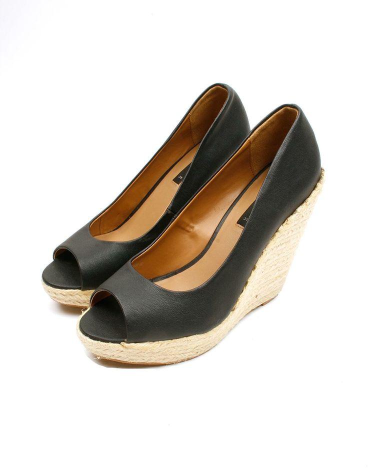 Cuñas negras peep toe Mango 21€