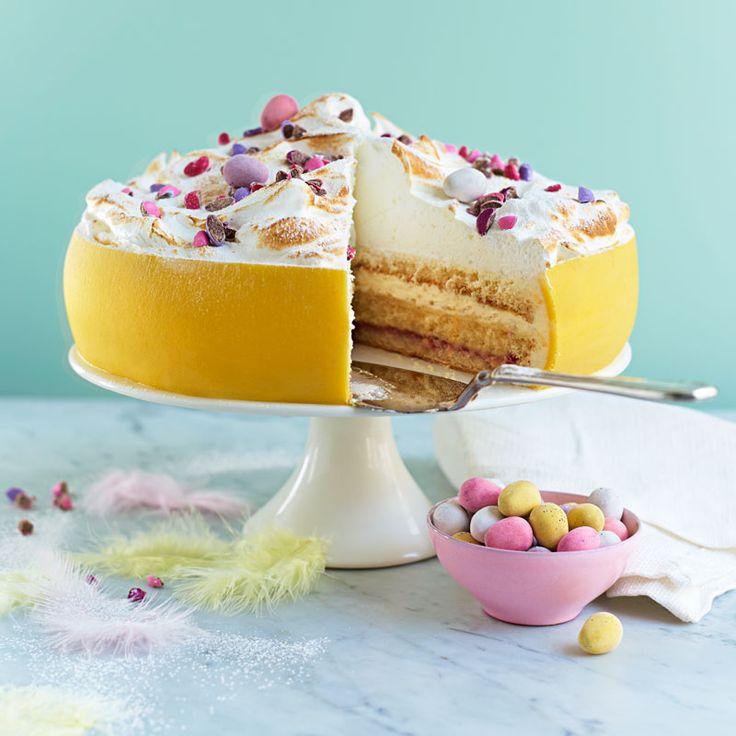 Underbar påsktårta som påminner om prinsesstårta men går i påskens glada färger.