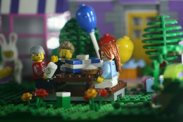 https://flic.kr/p/SYVdtw | Happy Birthday | Kevin / Rainbow Bricks LUG #LEGOEaster #rainbowbricks