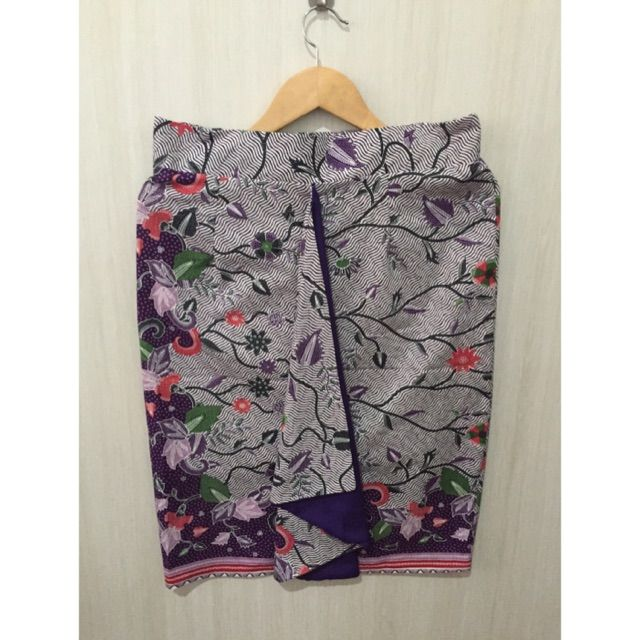 Temukan dan dapatkan Bawahan batik  hanya Rp 89.000 di Shopee sekarang juga! http://shopee.co.id/imanggoethnic/257095408 #ShopeeID