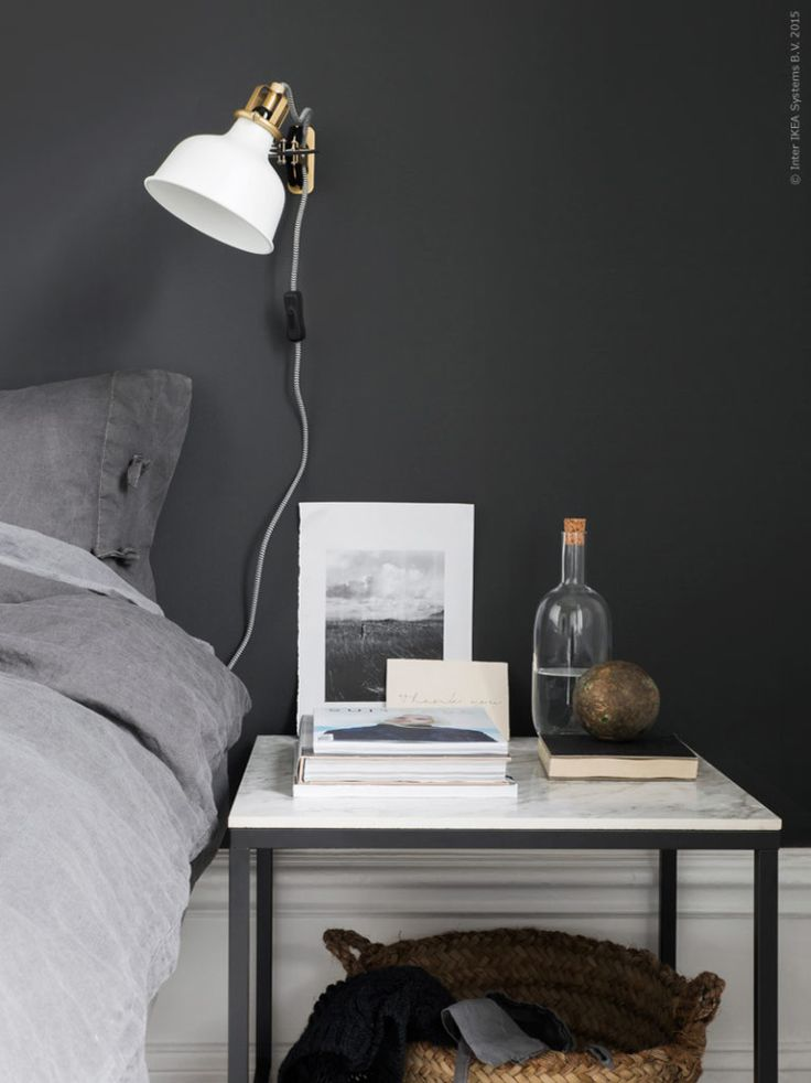 Livet hemma - IKEA DIY Vittsjö bedside table with marble top. Styling Pella Hedeby, Photographer Sara Medina Lind