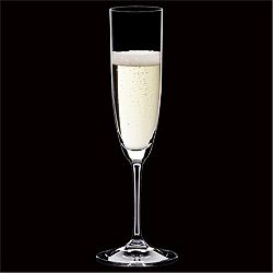 190円のシードルも良い感じに飲んじゃえるグラスの不思議。http://mari.tokyo.jp/goods/cider/ #リーデル #グラス #シャンパン