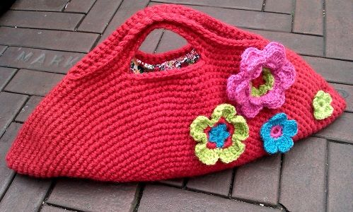This would be great to carry my current-working crocheting projects in!