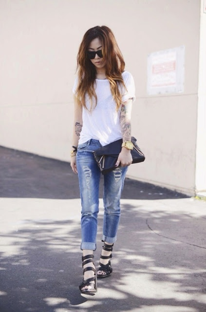 OBSESSED with her vlog -and personal style!  Claire Marshall OOTD : Keep it Casual