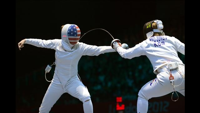 Susie Scanlan fences against South Korea's Jung Hyojung during the women's epee team semifinals as part of the fencing event of London 2012 Olympic Games on August 4, 2012 at the ExCel centre. (Toshifumi Kitamura/AFP/Getty Images)
