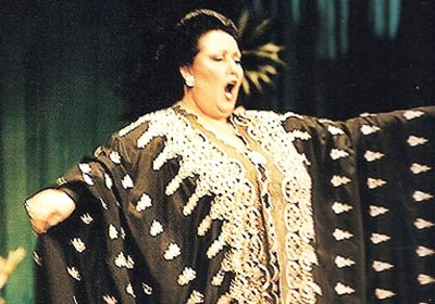 1000 images about monserrat caballe on pinterest hamburg search and la luna. Black Bedroom Furniture Sets. Home Design Ideas