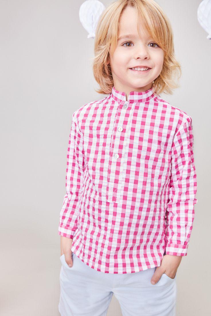 Camisa de cuadros en blanco y fucsia y short blanco de Tartaleta Moda Infantil SS17