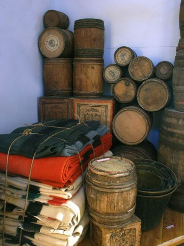 Fur trade cargo. MUS OF FUR TRADE