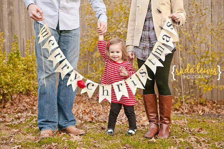 Five Creative Photography Ideas for Family Christmas Cards – Toddlers I like this idea