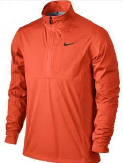 La chaqueta de golf Nike Storm-FIT Vapor Half-Zip para hombre te ayuda a mantenerte seco y a moverte con total libertad en condiciones de humedad gracias a su panel frontal resistente al agua con revestimiento y a su tejido elástico y ligero.