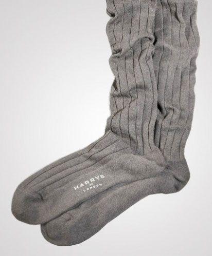 Non è una cosa da tutti, e ne siamo sicuri, camminare indossando le nuove calze di Harrys of London sarà sicuramente un qualcosa di straordinario. 1550 dollari al paio.