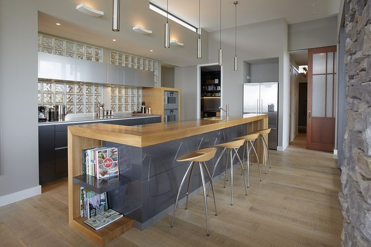 A very stylish kitchen designed by Peter Were from Peter Were Architecture #ADNZ #architecture #kitchen