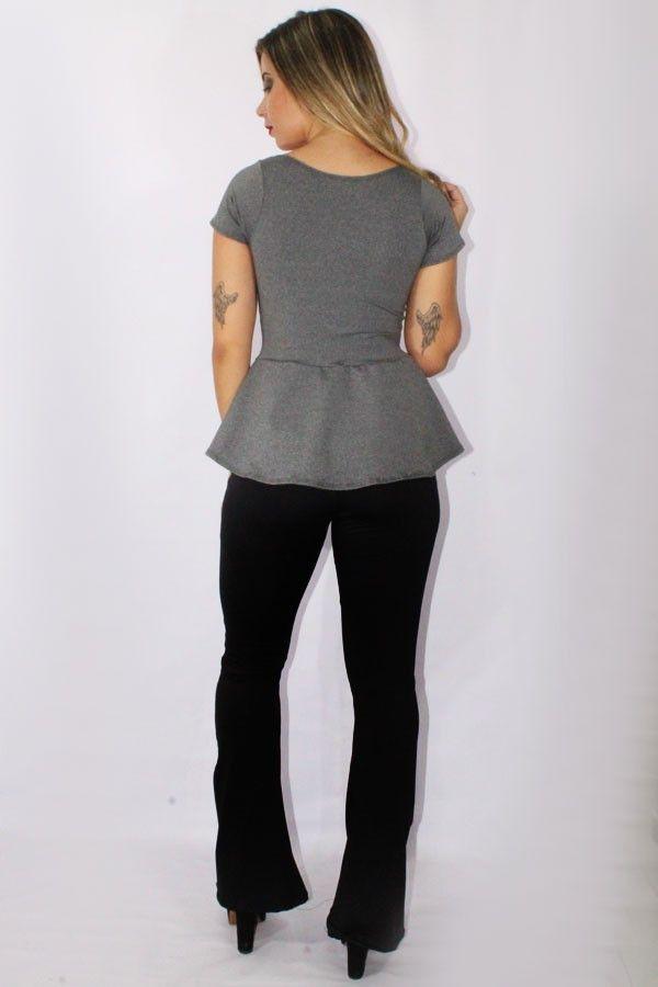 Conjunto Calça Legging Flare e Blusa Peplum Cinza Mescla - Lindo modelo de vestido fabricado em Suplex de Excelente qualidade.Tecido:SuplexCaracteristicas:Tecido firme, de alta elasticidade que não desbota com o tempo e nem dá aquelas indesejaveis bolinhasModelagem:Ampla e personalizada, se adapta facilmente ao formato do corpo. Link: https://atacado.com/products/conjunto-calca-legging-flare-e-blusa-peplum-cinza-mescla?utm_source=pinterest&utm_campaign=Racy Modas&utm_medium=Conjunto Calça…