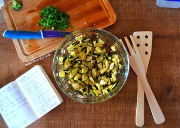 zucchini salad, kabak salatası