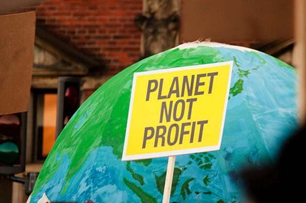 7 November 2015 Tackling climate change through a rapid transition to renewable energy is perfectly feasible, but corporate interests are determined to frustrate action, writes Erima Dall. The worl… https://winstonclose.me/2016/04/20/why-climate-action-means-challenging-capitalism-by-solidarity/