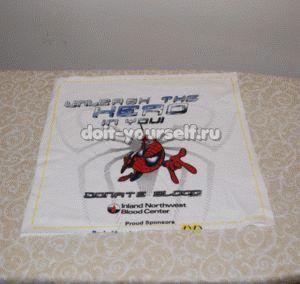 Лоскутное шитье одеяла из старых футболок