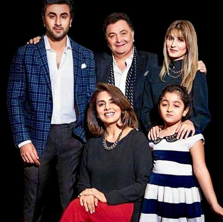 Rishi Kapoor with his wife Neetu Singh,son Ranbir Kapoor,daughter ...
