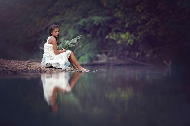 sad-girl-sitting-beside-river.jpg (1920×1280)