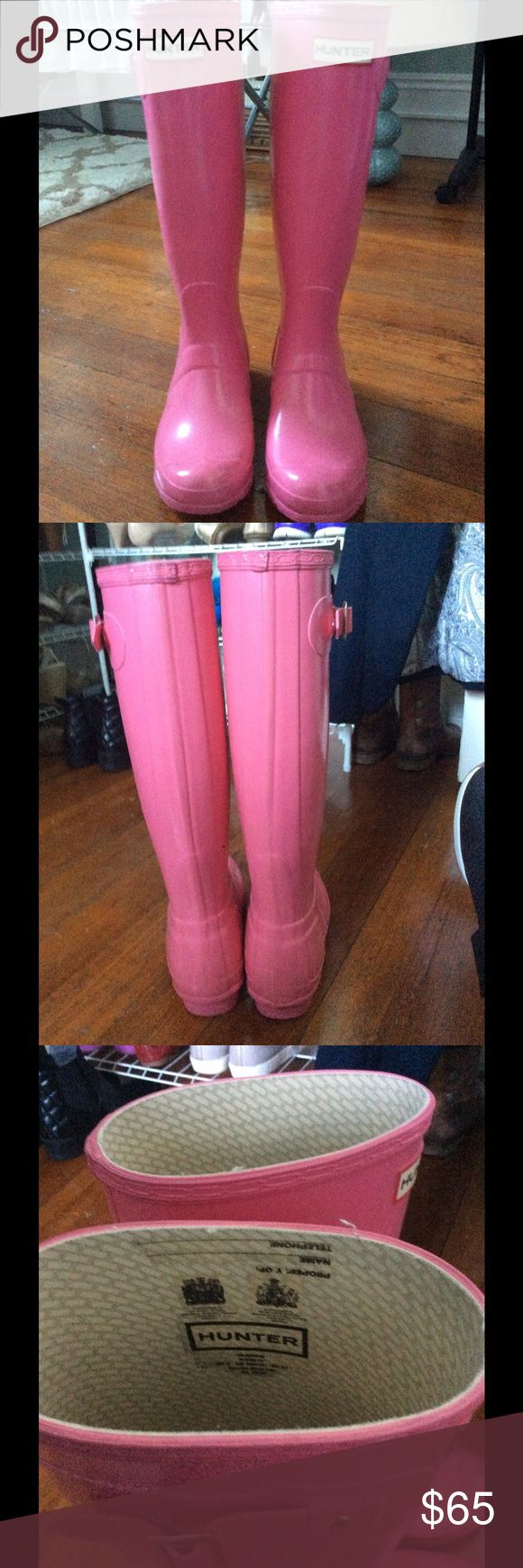 Pink Hunter Rain Boots - Size 6 Size 6 pink hunter rain boots. I am a 6.5 and these fit me perfectly. Hunter Boots Shoes Winter & Rain Boots