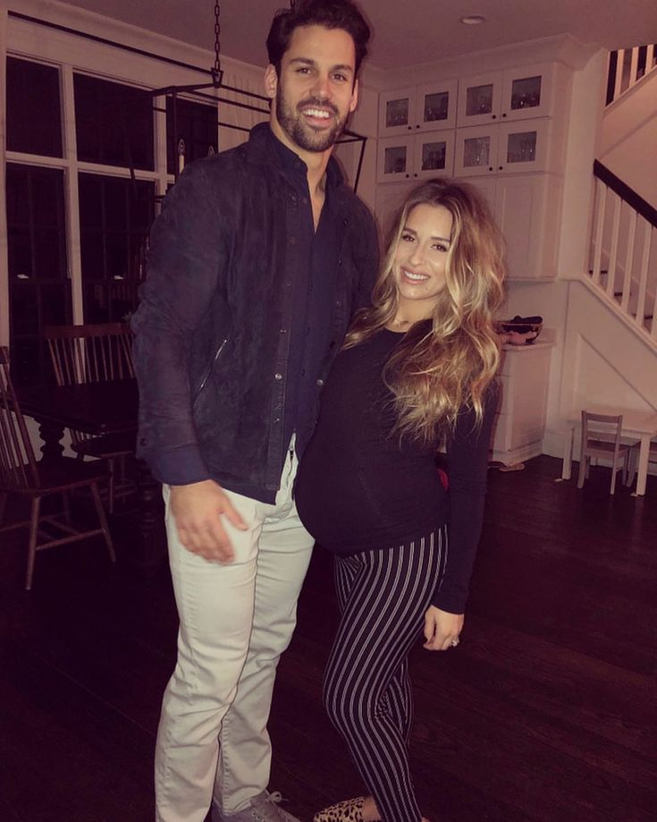 "133.4k Likes, 405 Comments - Jessie James Decker (@jessiejamesdecker) on Instagram: ""Mom and dad needed a date"""