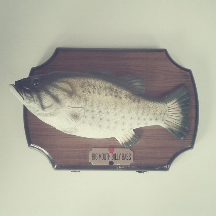 Big Mouth Billy Bass, bought on internet sale. It is now exhibited in The National Museum in Kraków, Poland. / Photo by @Tomasz Jurecki #wysokipolysk #fleastyle #billybass