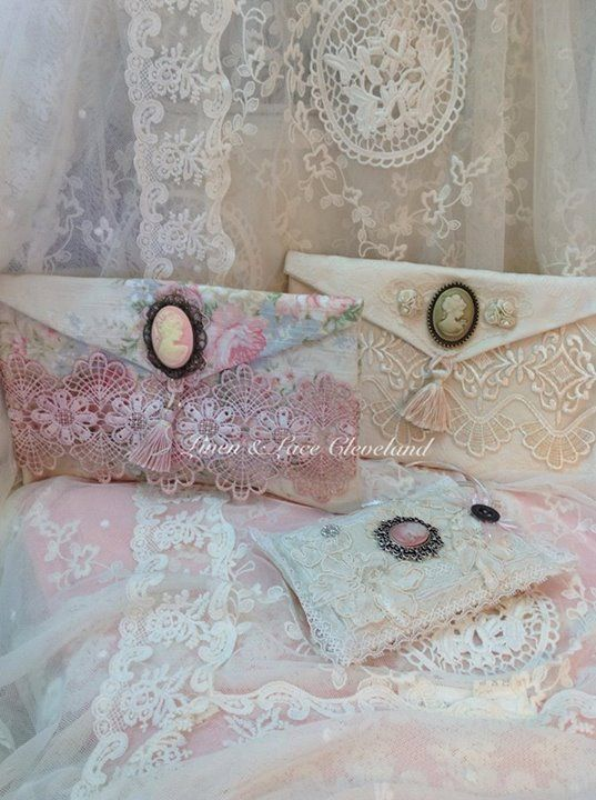best 25 shabby chic fashion ideas on pinterest gyaru fashion floral fashion and shabby chic. Black Bedroom Furniture Sets. Home Design Ideas