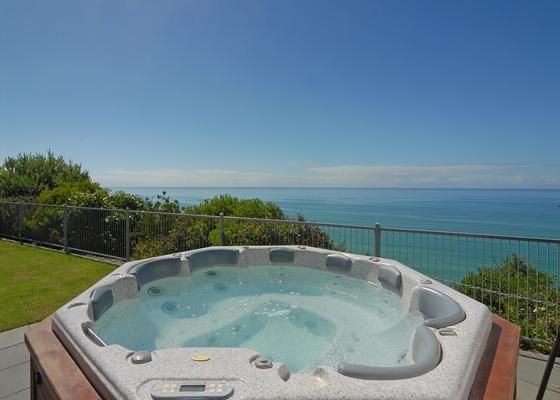 CapeViews in Napier City | Bookabach | New Zealand