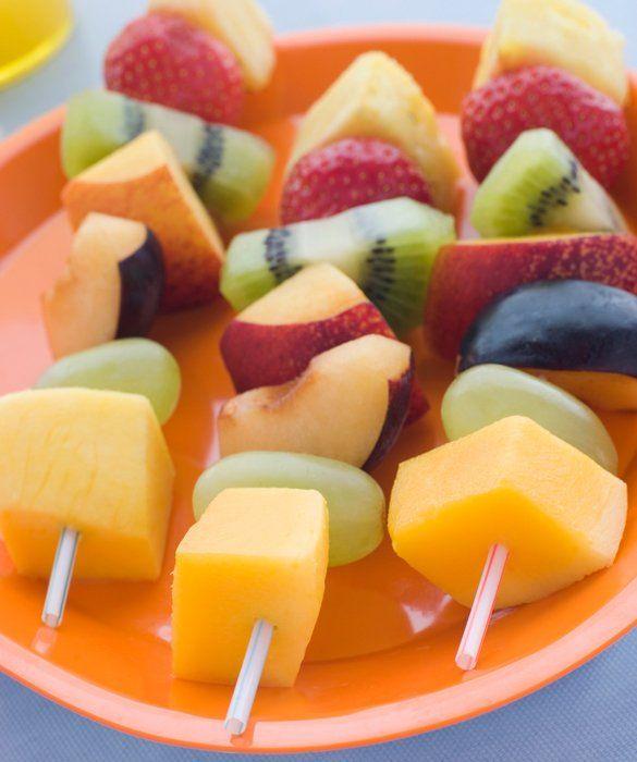 20 Healthy Snacks: Fruit & Cheese Kebabs