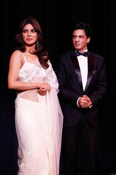 Shahrukh Khan Alia Bhatt New Movie Brings Excitement To Priyanka Chopra #news #fashion