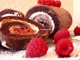 Kakaová roláda s malinami
