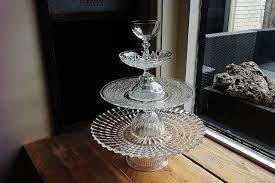 Afbeeldingsresultaat voor etagere maken van oud servies en glas