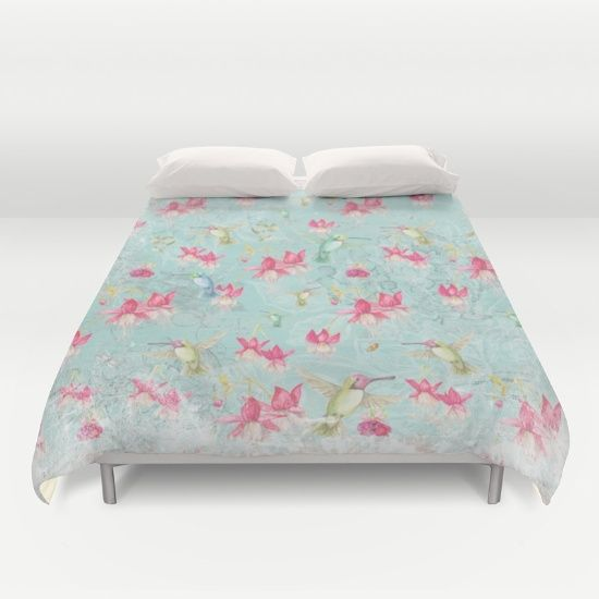 Vintage Watercolor hummingbird and Fuchsia Flowers on mint Background Duvet Cover