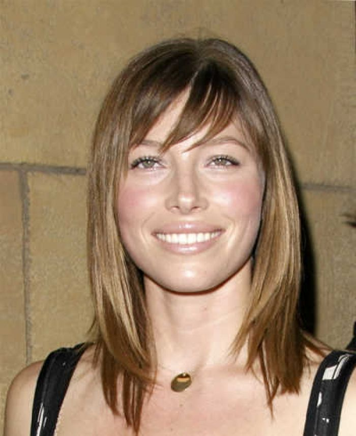 Trendy Brown Hairstyle With Side Swept Bangs Hair For Women Design 400x490 Pixel