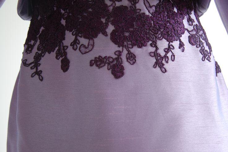 encaje bordado sobre shangtung de seda