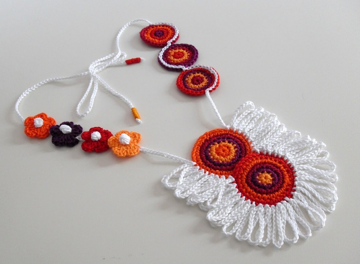 SILVIA66: ETHNIC (05) - Handknit Crochet Necklace