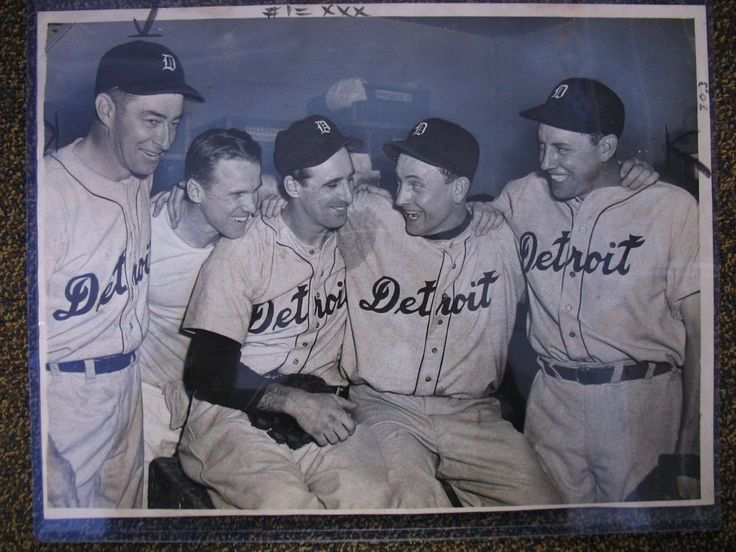 1945 WORLD SERIES DETROIT TIGERS ORIGINAL WIRE PRESS PHOTO with DIZZY TROUT