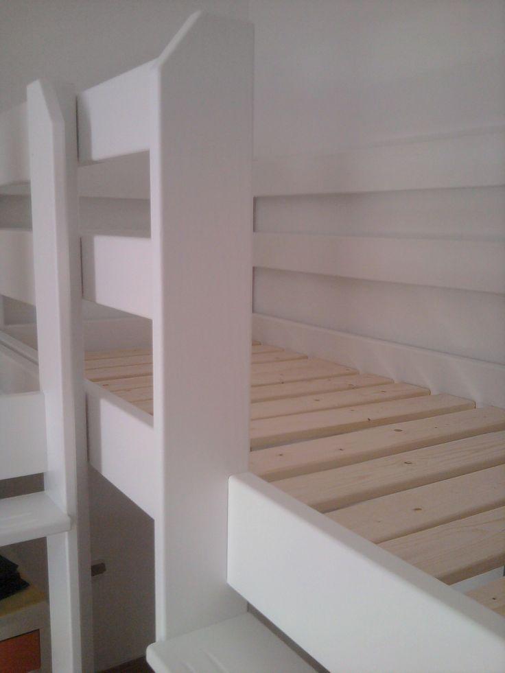 ξυλουργείο Καφρίτσας  http://www.epiplakafritsas.4ty.gr/