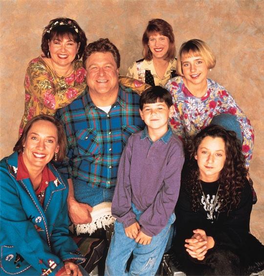 ROSEANNE ist eine US-amerikanische Sitcom, die von 1988 bis 1997 von dem Sender ABC produziert wurde. In Deutschland war die Serie ab 1990 auf ProSieben zu sehen.