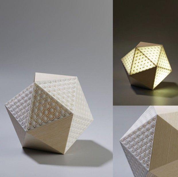 Présentés il y a quelques mois pour leur série d'objets à facettes bois et plexi fluorescent, Didier Versavel et Jean-Marc Estaque signent une seconde collaboration et une nouvelle collection.  Ils associent cette fois-ci l'impression 3D aux facettes bois et créent également de nouveaux plexi fluorescent et bois de ronce de peuplier
